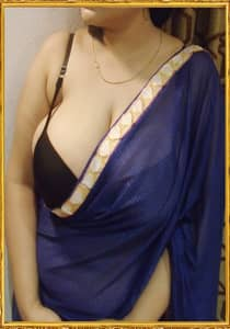 indian Bhabhi Fucking With Dirty Talk on Phone with BF